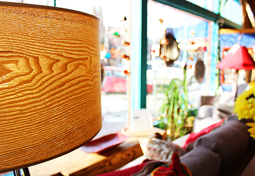 Artesanos Wood Grain Lamp